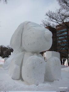 sculpture-snoopy-glace